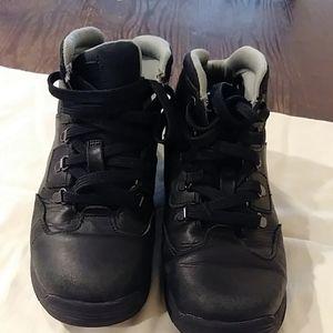 Boys Timberland boots Size 2.5